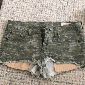 Rag & Bone Shorts in Camo